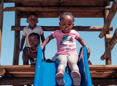 Noupoort Wind Farm donated a new Jungle Gym to Zingisani Crèche